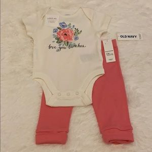 ON graphic top & bottom Layette Set